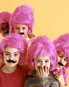 kids with pink wigs