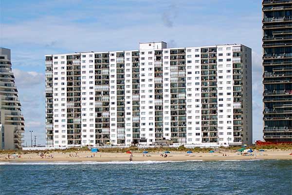 librty_auction_plaza-condominium-b