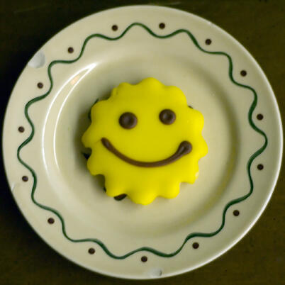 happy face cookie